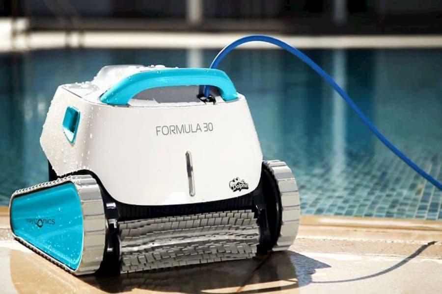 Robot limpiafondos DOLPHIN la merjor marca de robot limpia piscinas del mercado al mejor precio oferta limpiadores de suelo y paredes piscina www.comprarobot.com